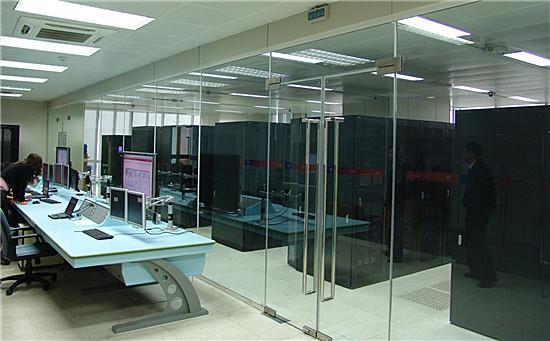 本方案针对计算机网络机房运行维护中的安全隐患,对动力,环境,网络