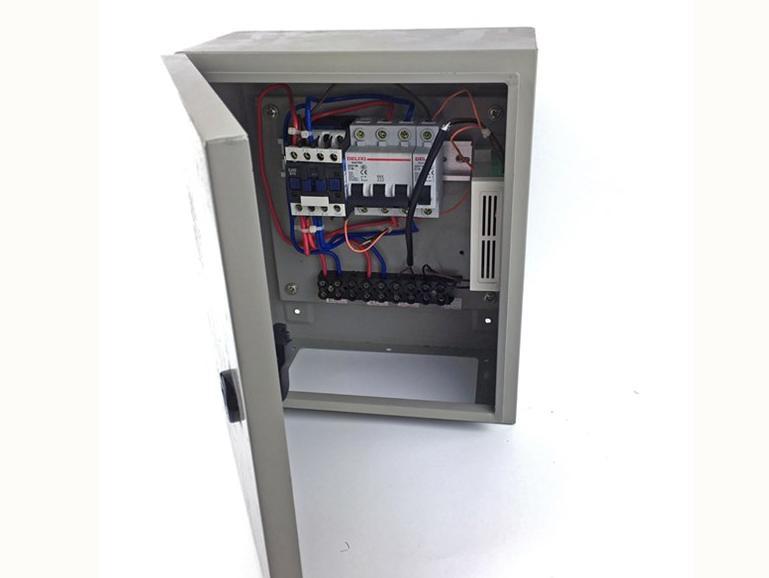 箱体式UPS远程放电仪OM-UPS-DB10K