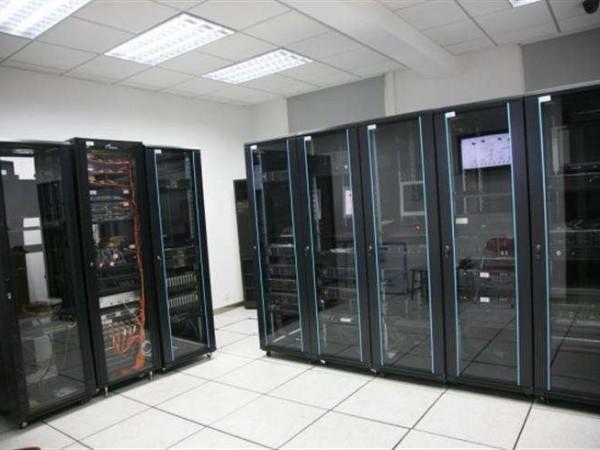 小型信息机房环境动力监控系统,功能真的很灵活!