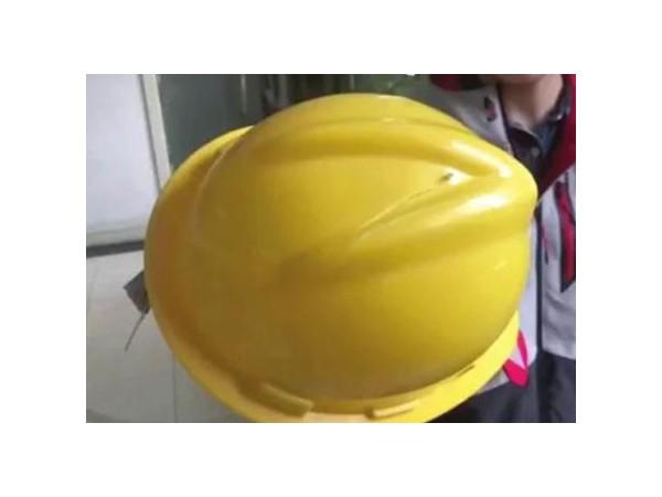 一线工人安全帽视频引发热议,机房监控这样落实企业安全生产体系!