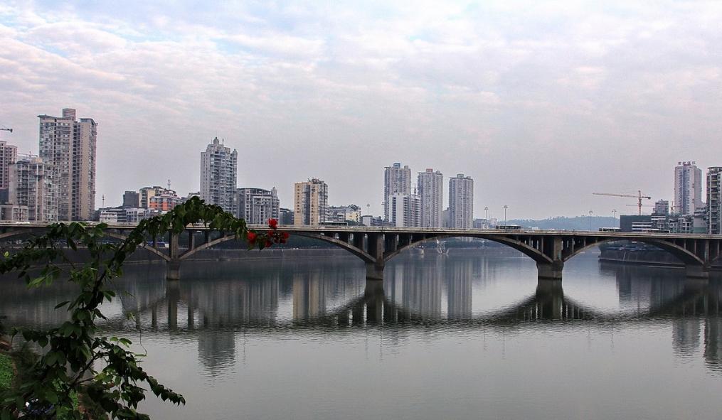 沱江河畔边城