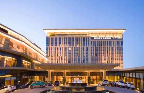 安装上一套酒店大楼配电室环境和设备监控系统好处很多