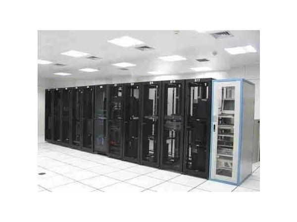 小型UPS电源机房动环监控系统,可按需定制监控内容!