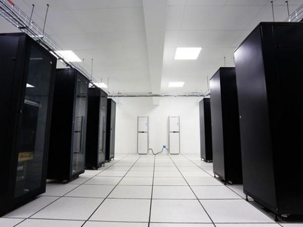 高效率的机房环境数据采集系统