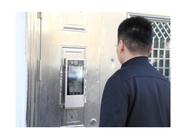门禁系统联动视频监控,相得益彰!