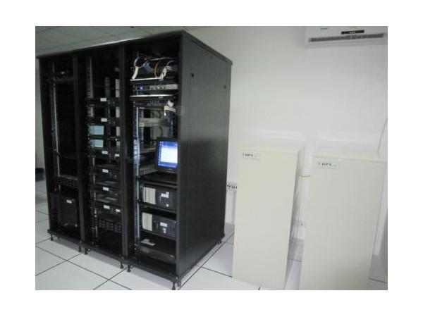 这套机房测温及空调控制方案能自动运行!