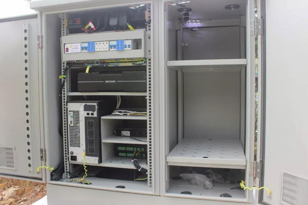 ETC门架系统户外一体化机柜·双舱