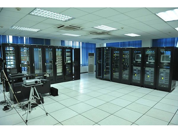 如何挑选兼容性高的机房动力及环境监控设备?
